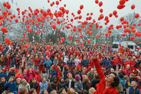 Ballonnen oplaten 3-hartenschool Lochristi