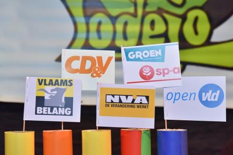 Verkiezingsdebattle in Jeugdhuis Lodejo