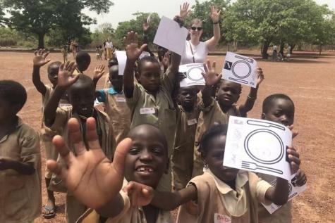 Chloë en Lotte in Benin