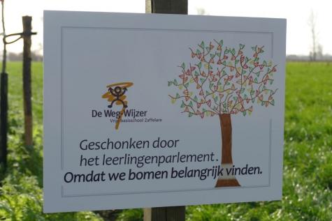 Weg-Wijzer plant bomen tgroenselveld