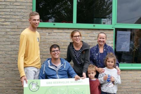MOK 1.500 euro oudercomitié gemeenteschool Beervelde