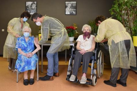 Vaccinaties in WZC Sint-Pieter Lochristi