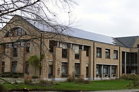 achterkant park gemeentehuis Lochristi
