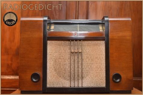Radiogedicht © Bennie Vanderpiete
