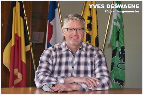 Yves Deswaene - 20 jaar burgemeester © Bennie Vanderpiete