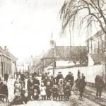 De Hoekstraat met de pastorie rond 1900